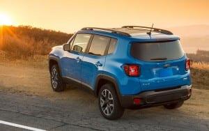 2015-jeep-renegade-BLUE-REAR