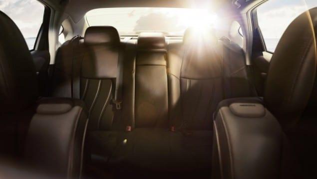 2015 Infiniti Q70L interior back row