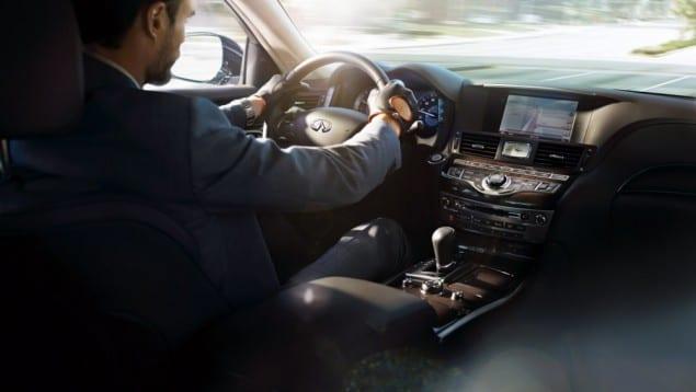 2015 Infiniti-Q70L-interior-driver-side