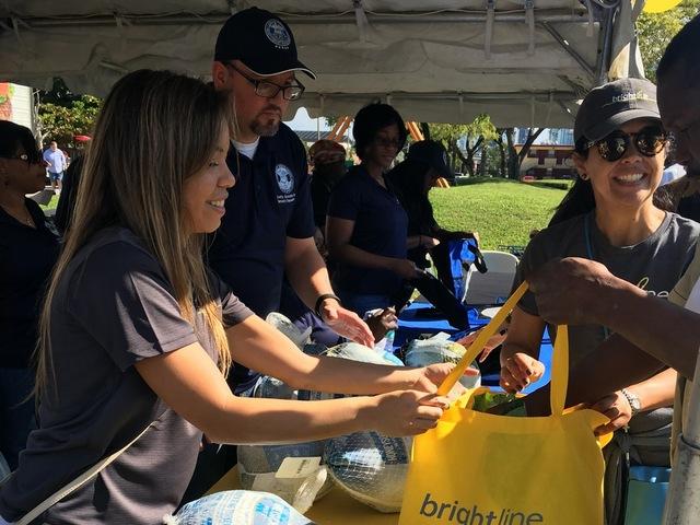 Miami Commissioner Keon Hardemon, Brightline distribute over 500 turkeys