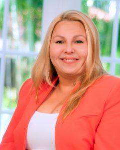 Dr. Liz de las Cuevas, Ed.D