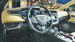 2017 - Toyota Avalon Hybrid Limited